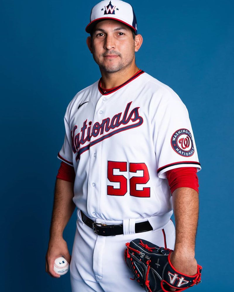 Paolo Espino listo para pelear por un puesto en los Nacionales de Washington