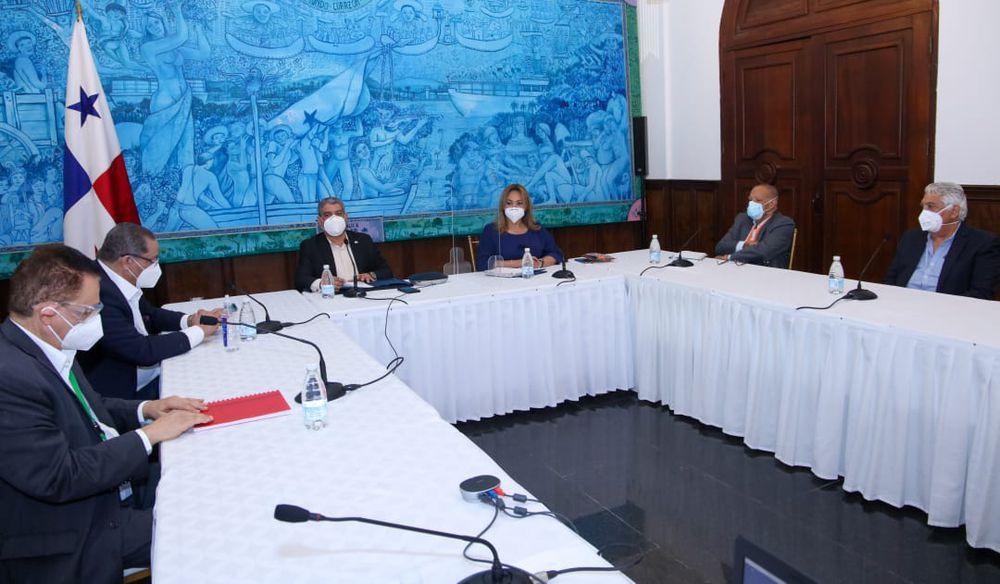 Consejo de ministros de Salud plantean mejorar condiciones laborales del personal sanitario con nombramiento de nuevos médicos y enfermeras