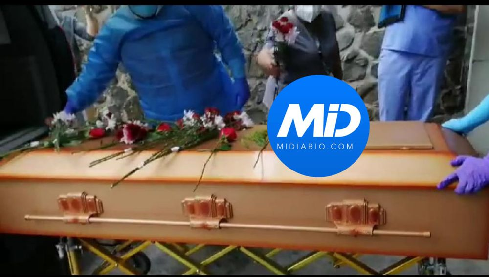 Emotivo. Así fue el último adiós a Kendal Royo. Técnicos y licenciados en ortopedia lo despidieron con calle de honor. Video
