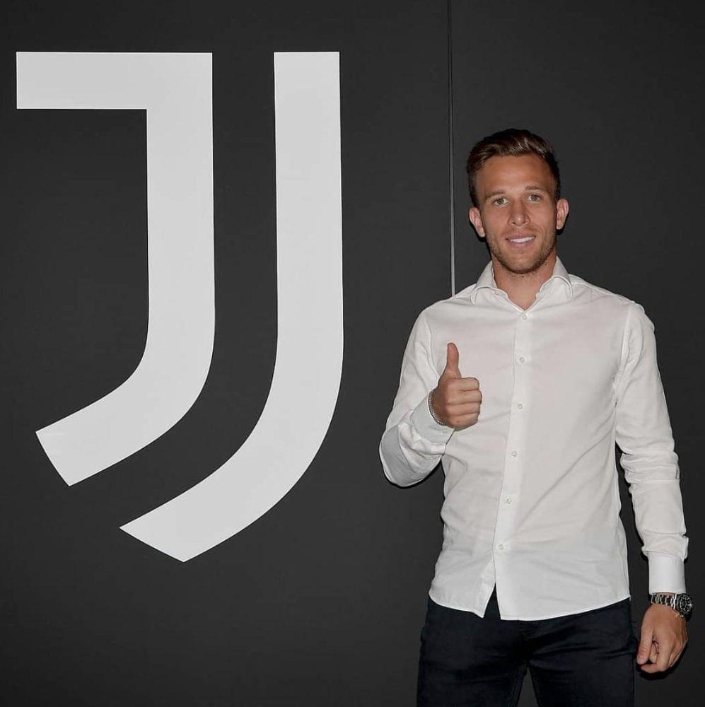 Ya es oficial: El Barcelona y la Juventus cambian a Arthur por Pjanic