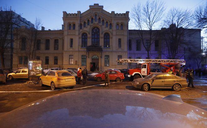 Tres pisos de una universidad rusa colapsan