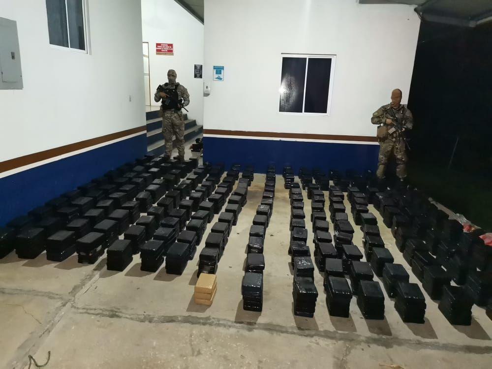 Colombia colabora con Panamá en decomiso de droga