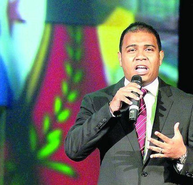 ¡Oh, ooooooh! Roberto Rivera renuncia a TVN y TV Max