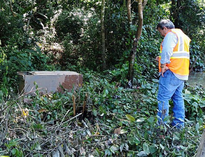 No podrán creer lo que encontraron en tubería colapsada en Loma Cová