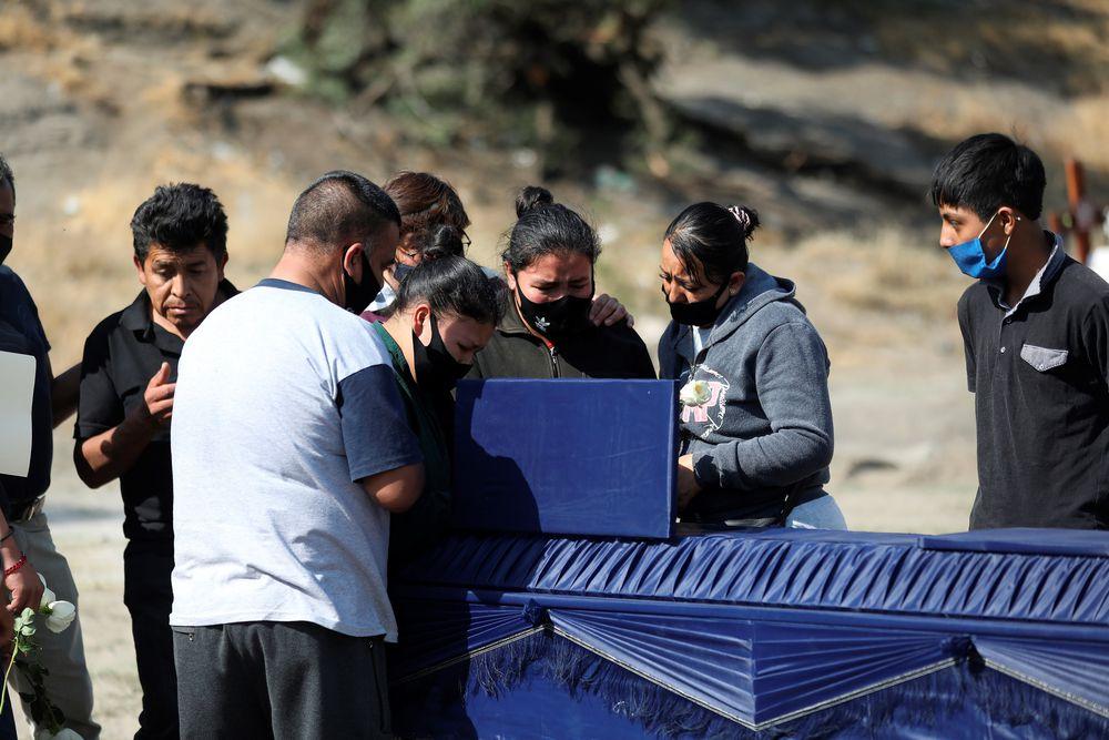 México llega a 100 mil muertes. Instalan 26 puntos de pruebas covid-19 para doblar su capacidad