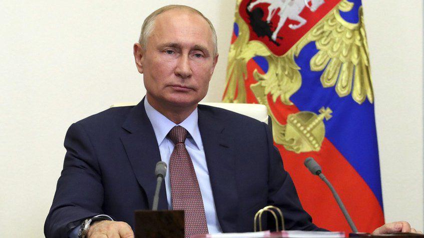 Putin ordenó empezar vacunación masiva contra la covid-19 a partir de la próxima semana