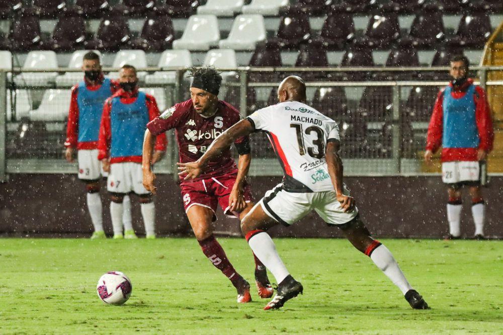 Machado pide disculpas a la afición de la Liga por no darles su título 30 del fútbol tico. Video