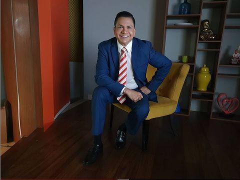 Presentador de TV, José Ricardo Muñoz, renuncia a TVN y explica por qué, tras revuelo