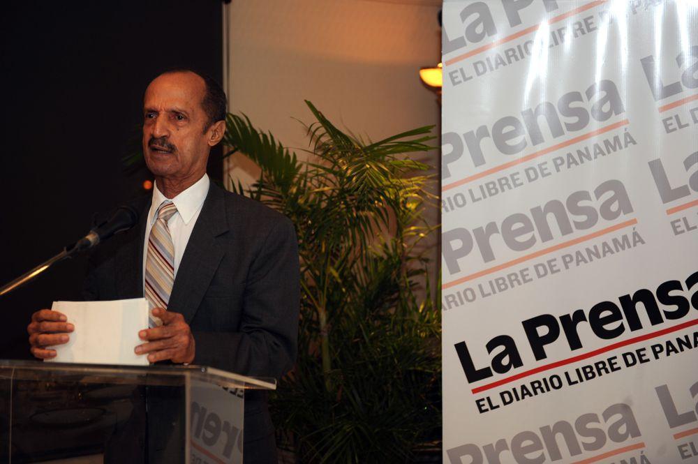 Fallece el primer director del diario La Prensa