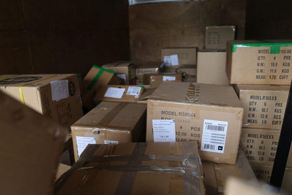 Llevaban desde pinta uñas hasta piezas de carros, pero Aduana investiga si es de contrabando