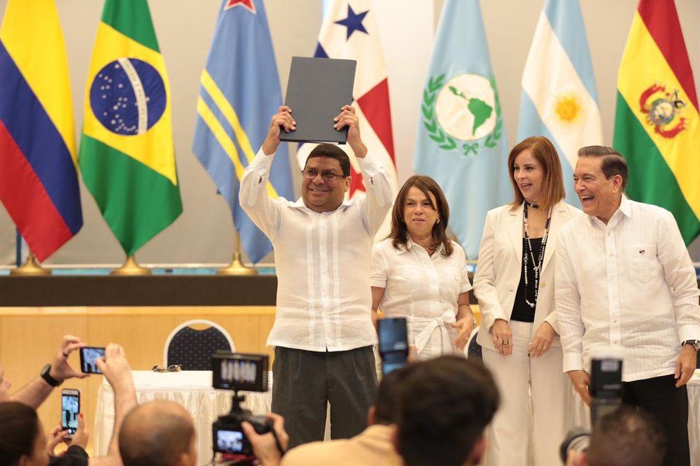 Cortizo sanciona ley que crea el Ministerio de Cultura