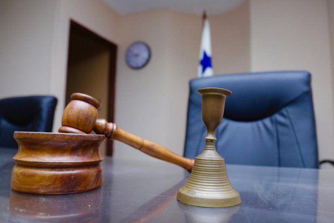 Un hombre de 19 años enfrenta detención provisional por la muerte de una niña de  2 años