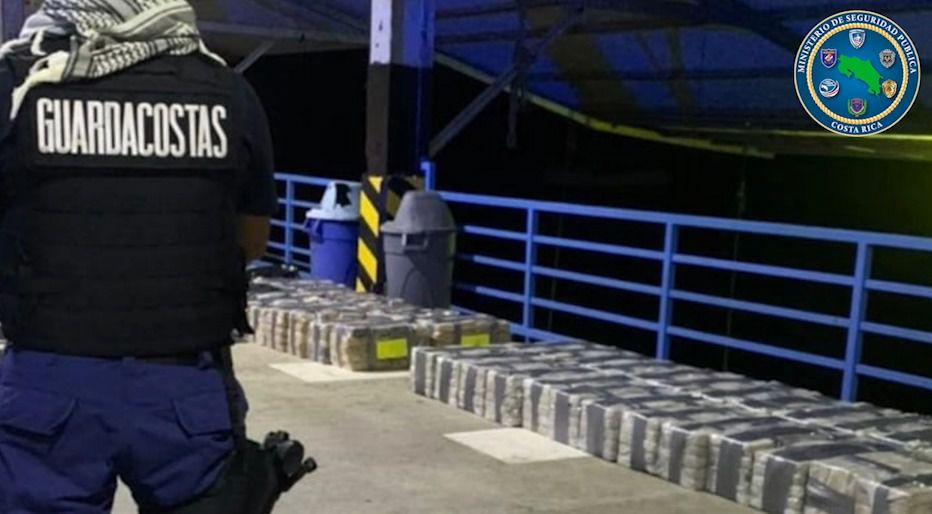 Decomisan casi una tonelada de cocaína cerca a Punta Burica