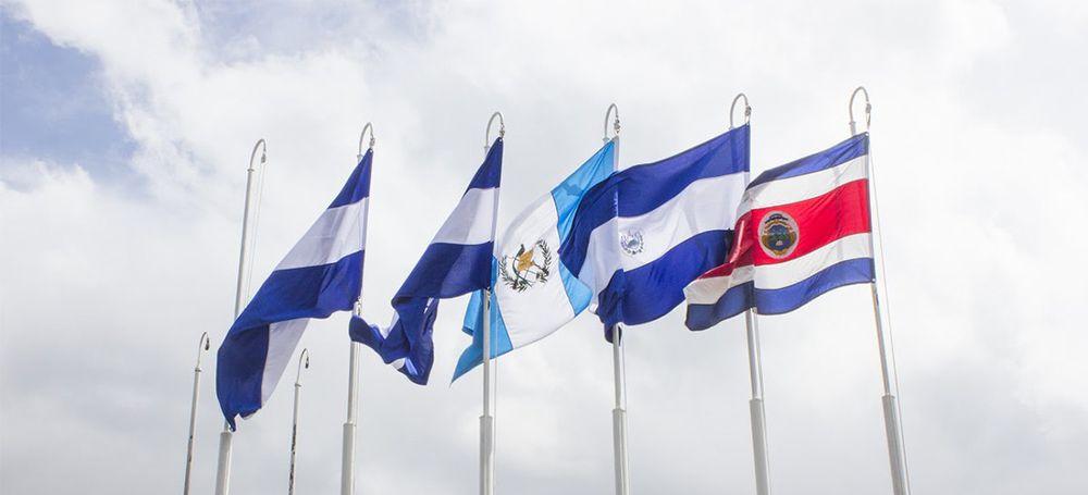 Centroamérica celebra hoy su bicentenario de independencia de España, pero Panamá debe esperar dos meses para festejar