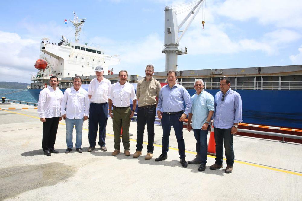 Minera Panamá exporta primer embarque a China