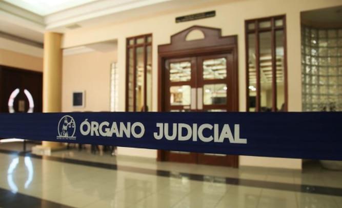 Diputados se aprovechan de la emergencia nacional para acabar con la Carrera Judicial