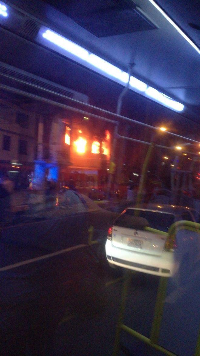 Fuego en Bella Vista consume todo un apartamento